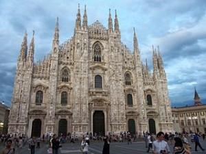 Cathedrale duomo Milan 300x225 Cheap Travel to Duomo Milan The Italiano