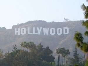 Hollywood sign 300x225 The Paradise Entertainment Heaven of Hollywood and Highland Center