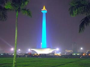 Monumen nasional jakarta 300x224 Alternative Weekend Holiday in Jakarta