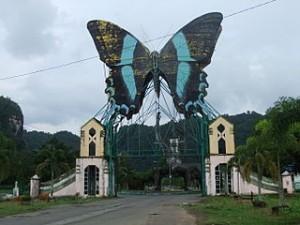 Taman Wisata Bantimurung 300x225 People Choices The Favorite Destinations in Makassar