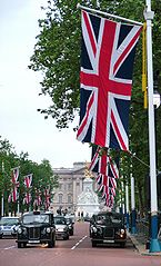 A typical london street What Happen in London Today, Popular Destination in Europe