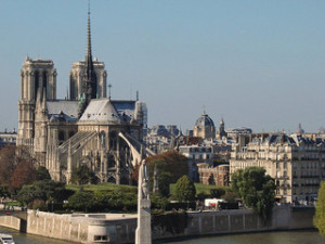 notre dame paris 300x225 Paris Travel Complete Guide, Romantic and Popular Places Idea