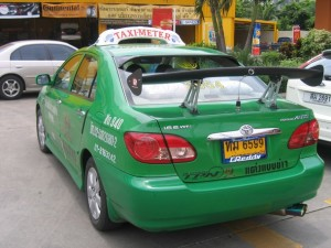 Green taxi Bangkok 2006 300x225 Dont Driving Like Turks Driver