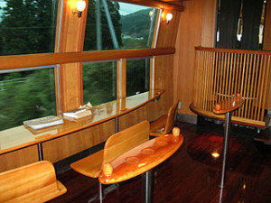 JR Kyushu Kiha 71 Series DMU Yufuin no mori Interior 300x225 Japanese Train Enthusiast Cafe