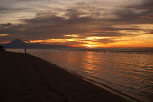 Sunset Gili Trawangan 300x200 Most Favorite Nightlife City in Indonesia