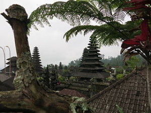 Pura Besakih 300x225 Holiday in Gunung Agung and Pura Besakih
