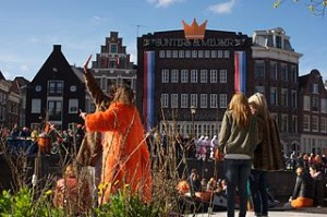 Queens day amsterdam 300x199 Feel Orange Queens Day in Amsterdam