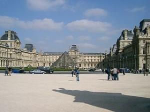 Musee de Louvre 300x225 Musee Du Louvre Museum