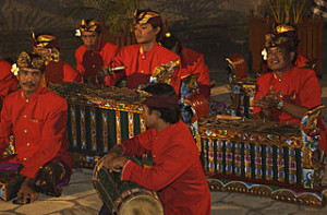 Bali musicians 300x197 Mix Traditional and Modern Music in Bali