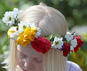 Midsummer Crown Meet Scandinavian Friendly People