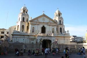Quiapo Church Manila 300x199 Visit Golden Mosque and Quiapo Church