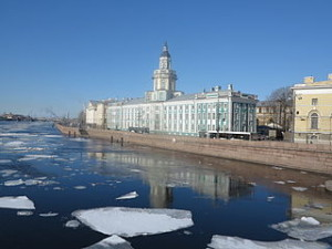Russia St Petersburg Neva Ice Flow 300x225 Cheap St. Petersburg Tourist Places