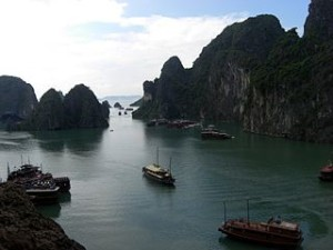 halong bay wallpaper 300x225 Halong Bay Geologic History