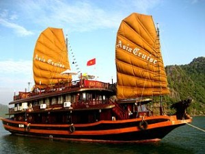 halong bay overnight cruise 300x225 Best Cost Halong Bay Cruise Tours Reviews