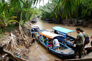 mekong delta tours vietnam to cambodia tripadvisor river luxury 1 day boat trip 300x200 Luxury Mekong Delta River Tour and South Vietnam Boat Trip