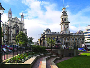 dunedin new zealand private walking tours 300x225 Dunedin New Zealand Backpacker Travel Guide