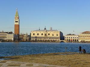 Venezia_-_Palazzo_Ducale_e_San_Marco