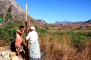 Madagascar_women