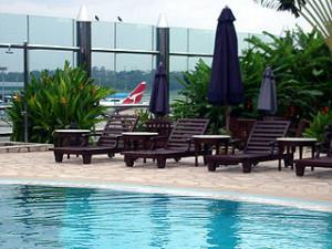 Singapore_airport_pool