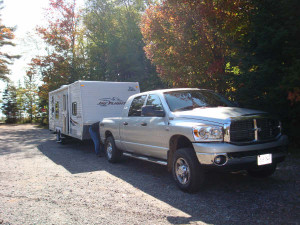 Jayco_travel_trailer_being_pulled