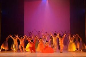 Ballet_troupe